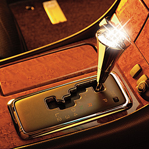 Luxury Shift Knob Crystal: Chrome